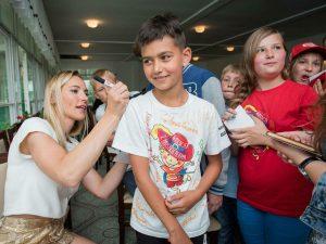 Sylwia Gruchała podczas spotkania z dziećmi w Jastrzębiej Górze