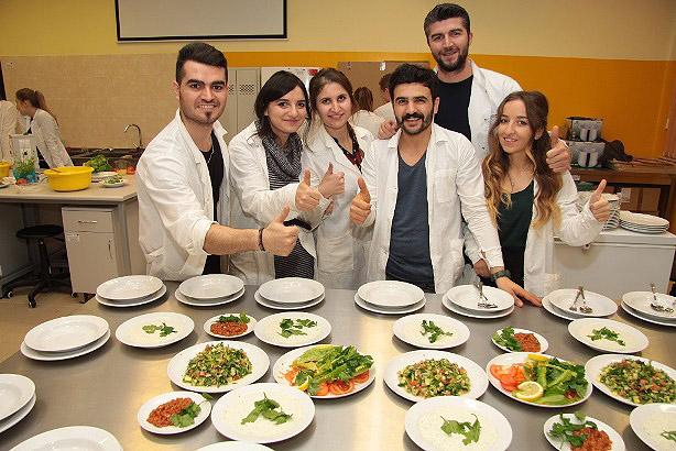Warsztaty kulinarne ze studentami z Turcji