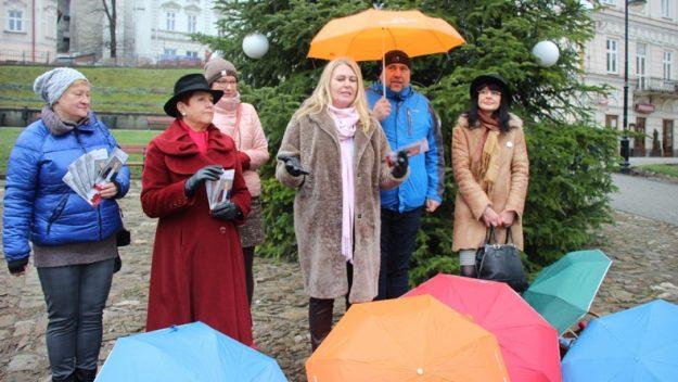 Przypomniały o 100 -leciu odzyskania praw wyborczych przez Polki [zdjęcia]