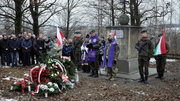 Pochówek węgierskiego żołnierza po stu latach [galeria zdjęć]